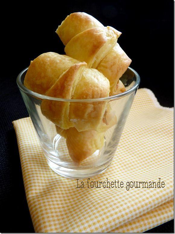 Croissants Kiri saumon, parfaits pour l'apéro :) #kiri #recette #apero #fromage #saumon #croissant #gourmand