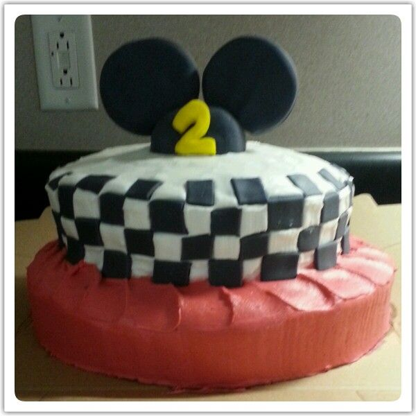 31 best dylan 39 s 3rd mickey mouse road rally birthday party for Car themed kitchen