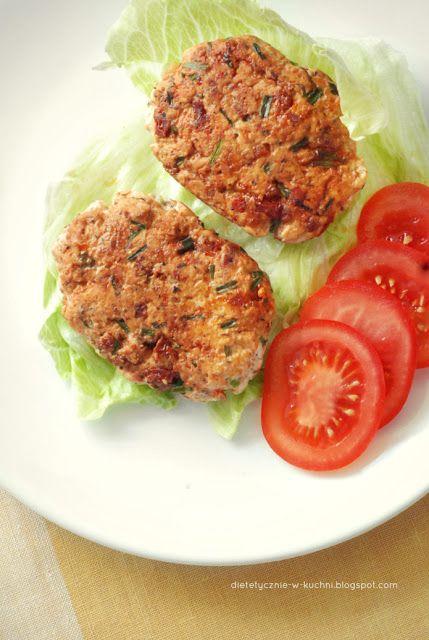 Moje Dietetyczne Fanaberie: Kotleciki drobiowe z suszonymi pomidorami