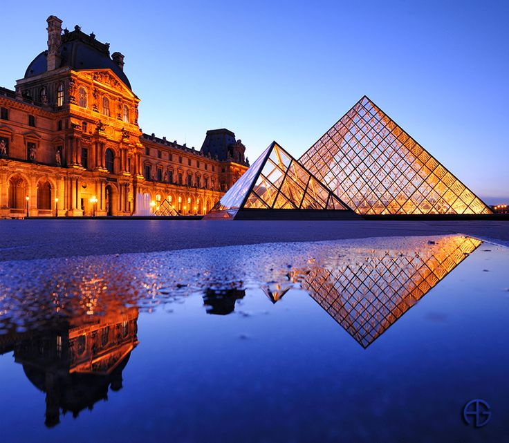 Amazing photographyPhotos, The Louvre, Buckets Lists, Blue Gold, Reflections Photography, Paris France, Louvre Paris, Travel, Places