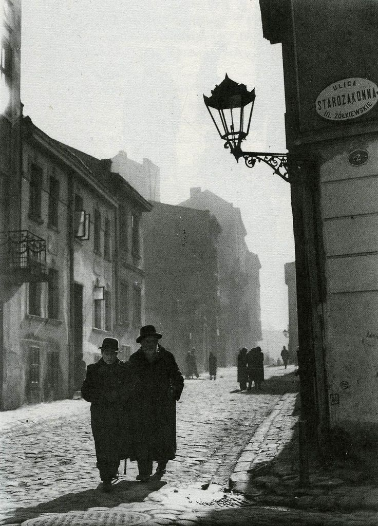 Mieczyslaw Watorski. Jewish quarter Lwow, Poland  '30s