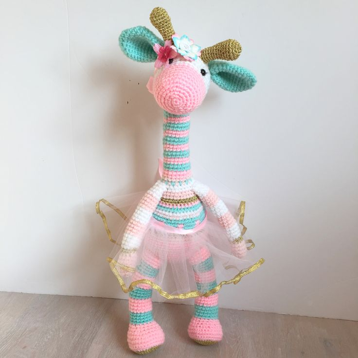 Amigurumi princess giraffe