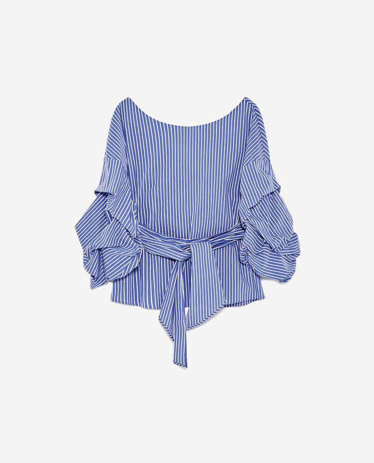 Top Zara, 300 kr, str s https://www.zara.com/dk/da/dame/skjorter/se-alle-varer/stribet-bluse-med-forstærket-udskæring-c719021p4528004.html