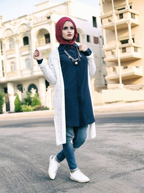 white-crochet-cardigan-hijab-sporty-style- Winter hijab style from Egypt http://www.justtrendygirls.com/winter-hijab-style-from-egypt/