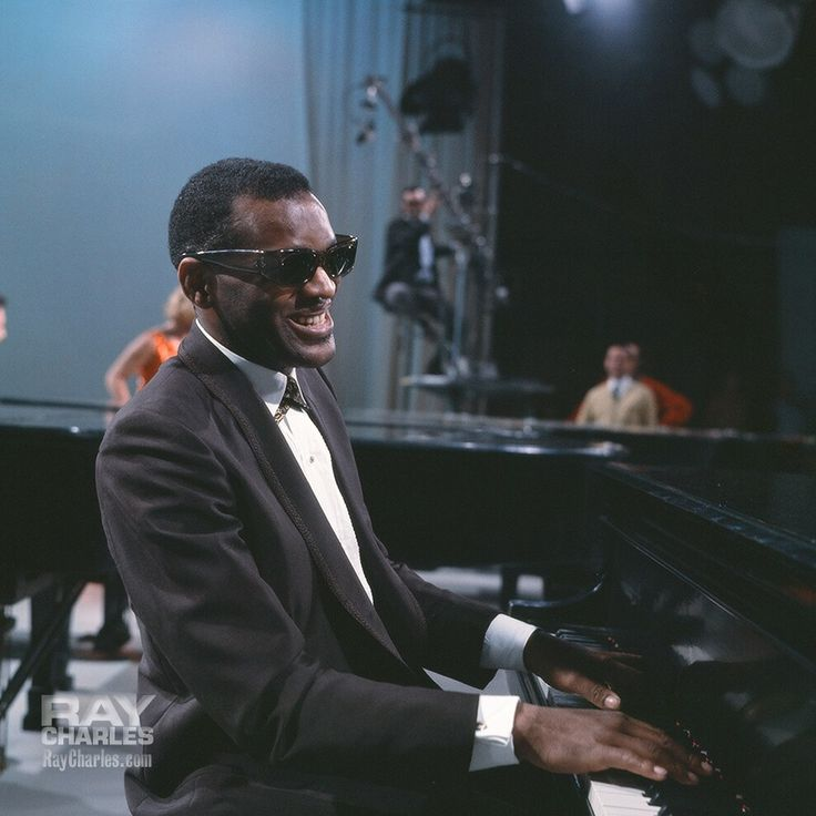 Ray Charles, contributing his part to a multi-piano rendition of Zip A Dee Do Dah, with Dinah Shore, Liberace, Peter Nero and Big Tiny Little, on the Dinah Shore Show recorded on January 20 or 23, 1963. Photo poss. by Howard Morehead.