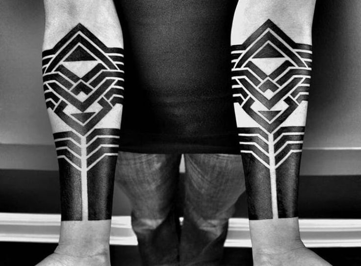 Blackwork Tattoo – The Oldest Style of Tattooing – Hate it or Love it