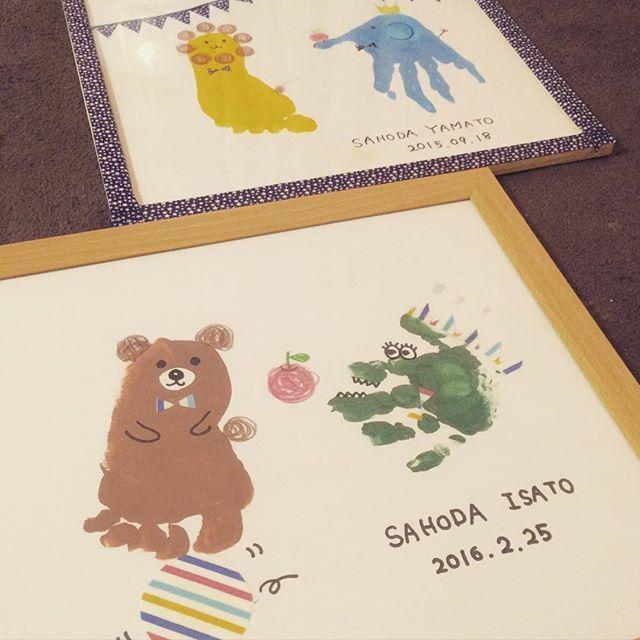 イサト誕生日おめでとう♡ ヤマトは象とライオンだったので イサトは熊とワニにしました♡ #手形アート#1歳誕生日#手形#足形