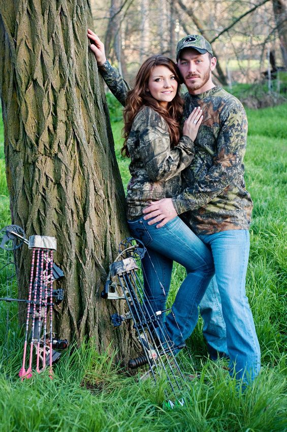 engagement, couple, bow, arrow, hunting, outdoor, woods, couple, camo