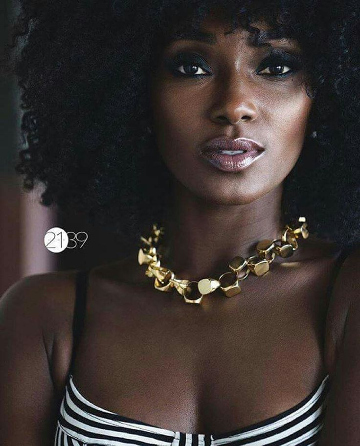 @khadijashari || Dark Bella. Melanin Poppin, complexion perfection. Beautiful skin. Sun kissed.