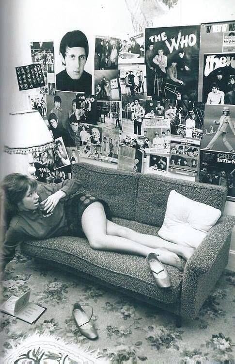 Mod Girl in her room