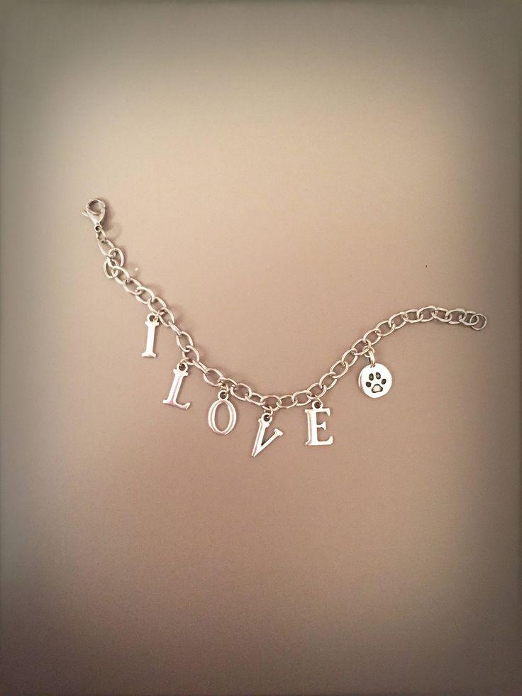 Bracciale I LOVE DOG con catena argentata e parole, catena argentata con lettere pendenti, bracciale con ciondoli, bracciale con parole di LesJoliesDePanPan su Etsy