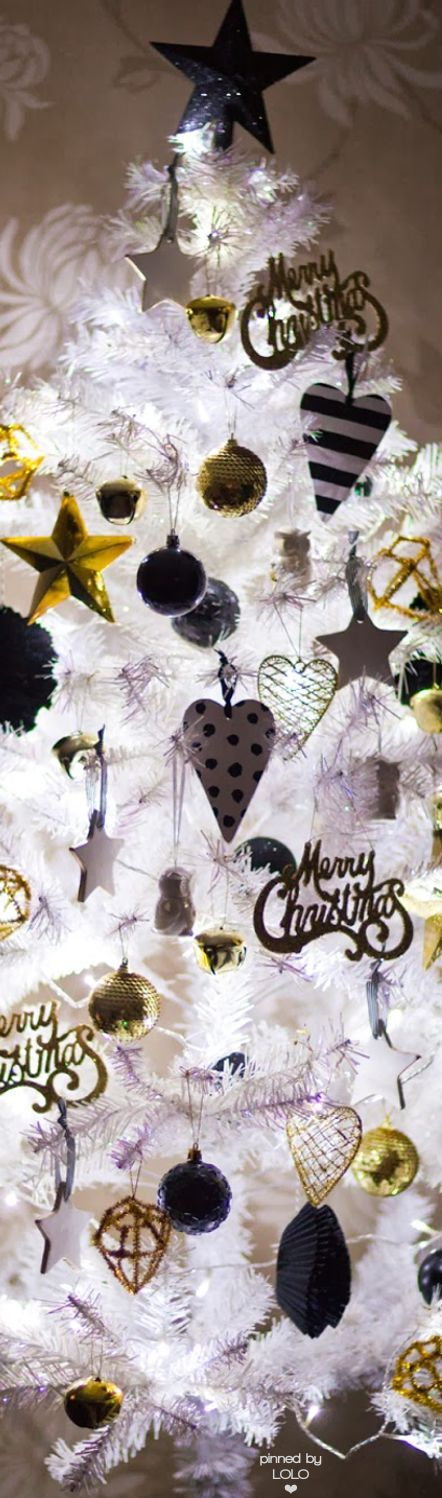 White Lit Christmas Tree with Black/Gold/Silver Ornaments   LOLO❤︎