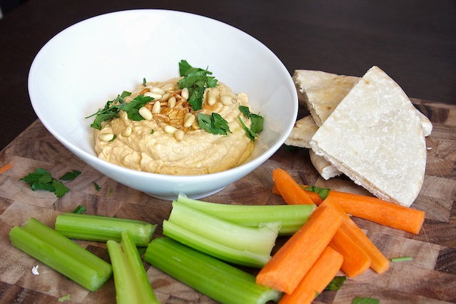Roasted Garlic HummusEasy, Food, Recipe Pictures, Roasted Garlic Hummus, Livelovepasta, Step By Step Pictures, Delicious Roasted, Hummus Recipe, Following Step By Step