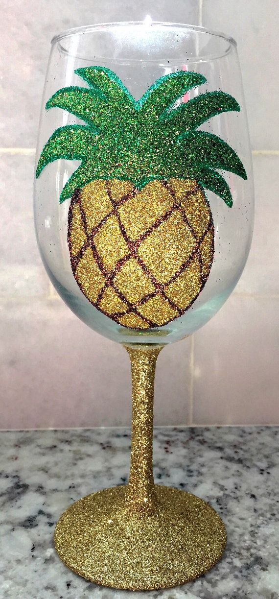 Glitter Pineapple wine glass by GlittersGalore on Etsy-This is #EVERYTHING
