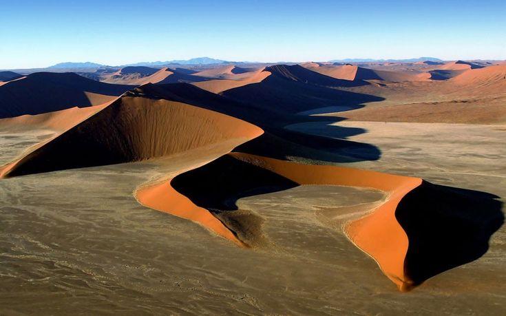 O Deserto da Namíbia, perto Sossusvlei, Namíbia