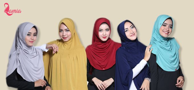 Cara Menyesuaikan Warna Hijab Dengan Busana
