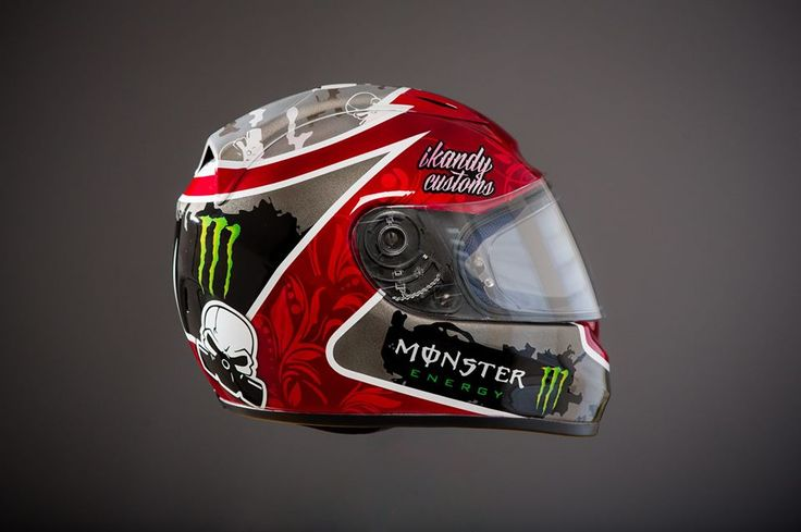 Introducing IKandy Customs! IKandy Customs is a helmet painting company with is run by Darren Fowden. Darren aged 28, is based in the Isle of Man and races in various Motocross championships but around 3 years ago realised he had quite a tremendous talent...