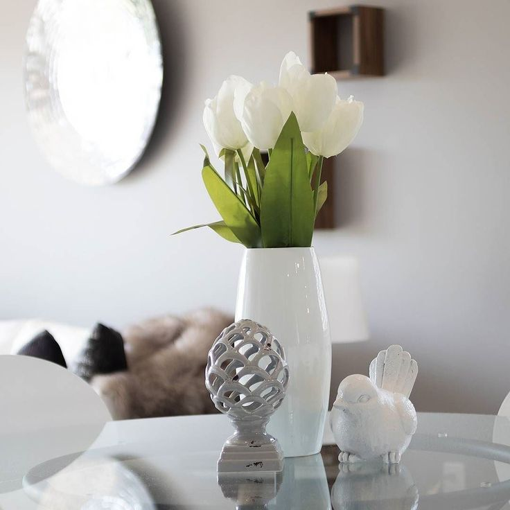 Follow @displaymetal for more decorative arts inspiration.#homedecorating #homedecore