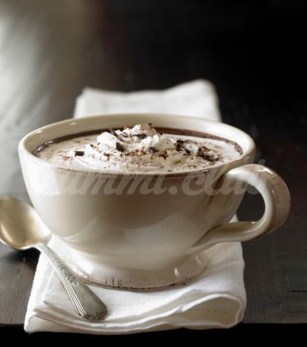 Арахисовый горячий шоколад