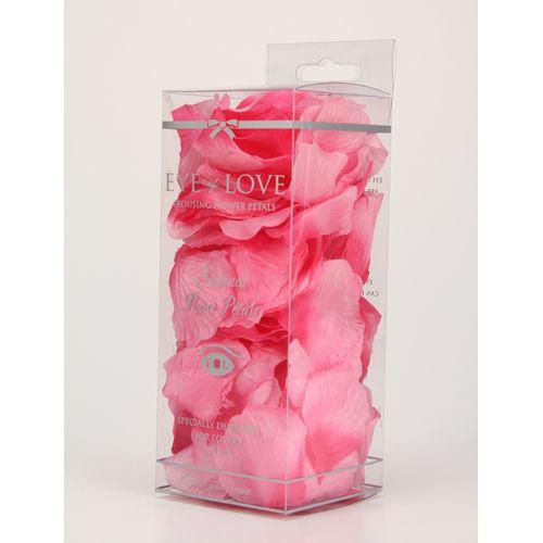 Van de bank tot de keuken tot de slaapkamer, deze rozenblaadjes geven elke locatie een romantische boost. Creëer een spoor van rozenblaadjes naar de slaapkamer en verspreid ze over het bed. In slechts 5 minuten tover jij de gewoonste plekjes om tot een sensueel oord om samen met je geliefde te genieten van een avond vol verleiding.