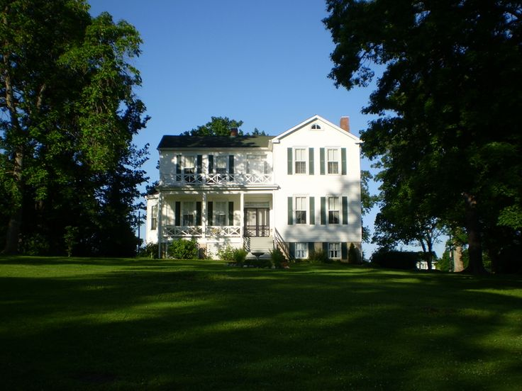 #OneTank   White Cliff Manor Bed and Breakfast & Gardens--Sainte Genevieve, MO Located one tank away from St. Louis, this 5-room inn boasts spectacular views of the Mississippi River Valley and is located near some of the area's best vineyards and wineries along famous Route du Vine. #inns #bedandbreakfast #gas #getaways #travel