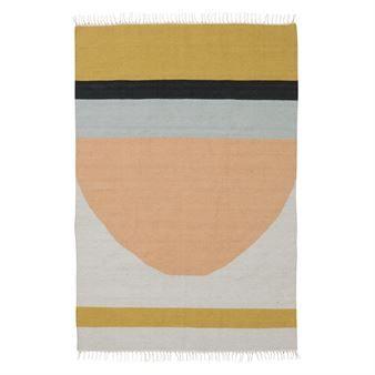 Kelims liegen voll im Trend! Aus einer Woll-Baumwoll-Mischung in der traditionellen Kelim Technik gewebt, ist dieser Teppich im Ma� 140 x 200cm mit verschiedenen, grafischen Mustern wählbar.