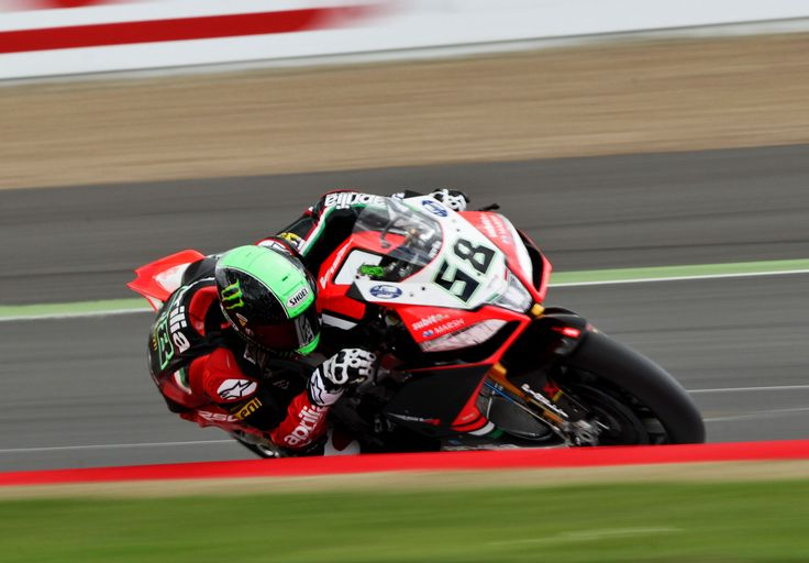 #Aprilia #Racing #Silverstone #Race #Circuit: Double podium for Eugene #Laverty who moves into third place in the rider standings. with two solid races on a difficult track Sylvain #Guintoli tightens his grip on the leadership.