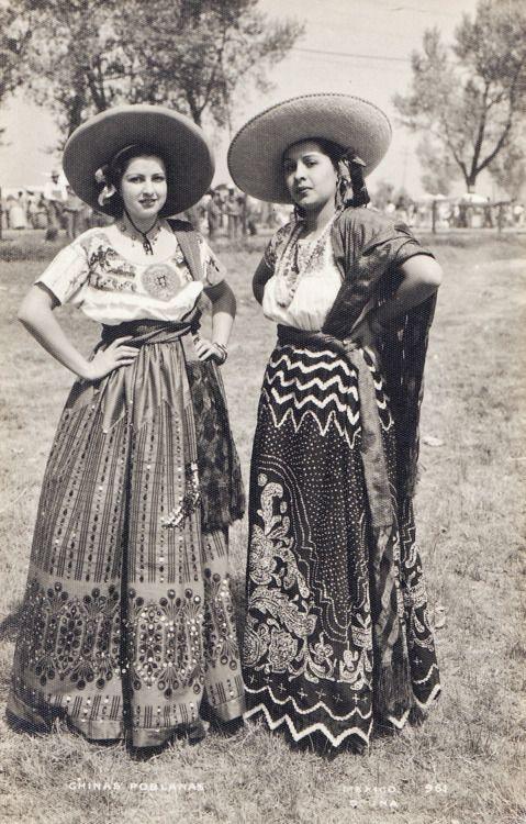 vintage mexico folk costume Chinas Poblanas.