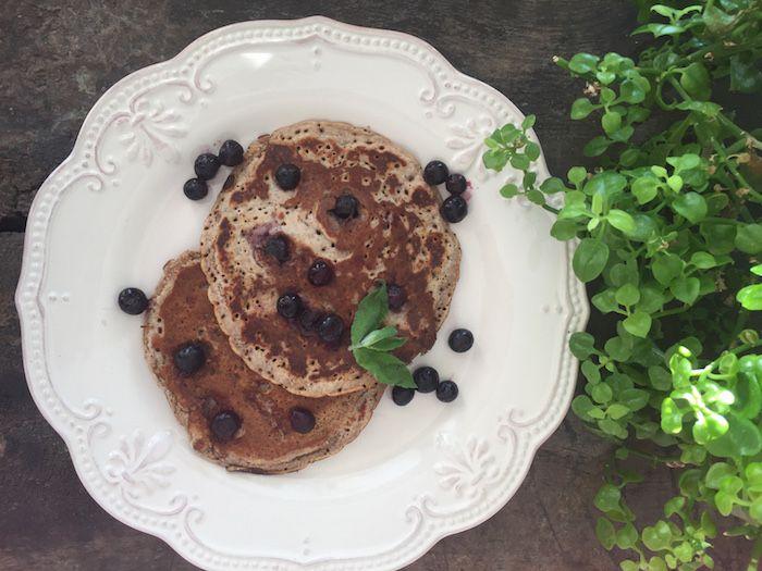 Amo los panqueques al desayuno! Los invito a revisar esta receta de Pancakes de Arándanos preparados con compota orgánica y harina integral