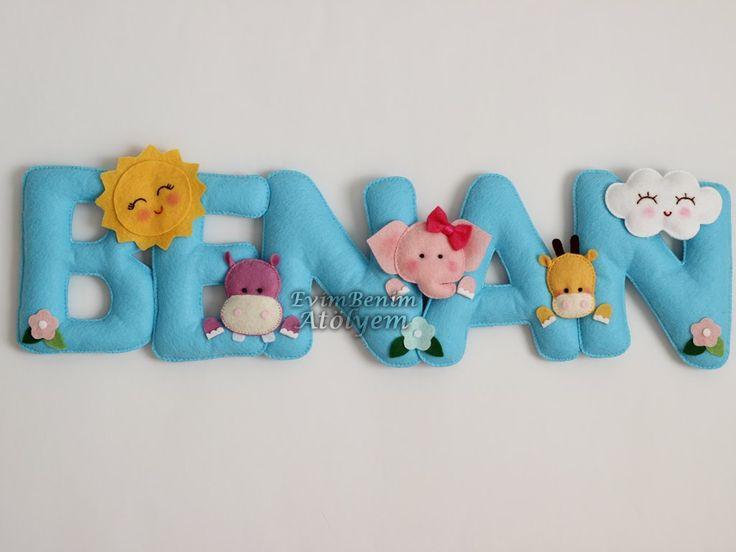 mavi keçe dolgulu harflerden erkek bebek odası isimlik, safari modeli