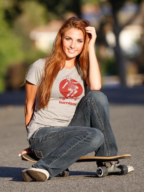 Longboarding style vintage skateboard graphic tee skater girl