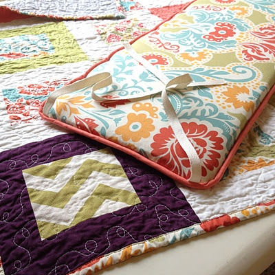 Such a great tutorial for making your own bumper pads by Lella Boutique!