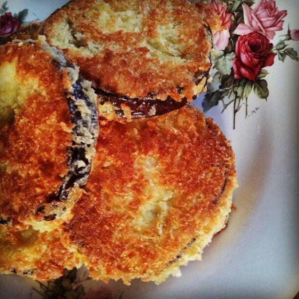 gegrilde aubergine, gepaneerd met panko & parmezaanse kaas, kort gebakken in ghee (made by Barbje)