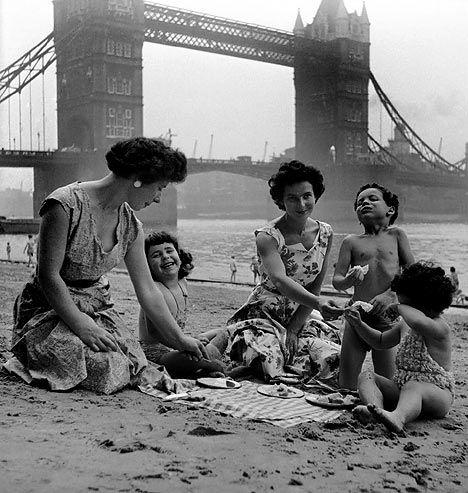 London 1952, Picnic at London Bridge