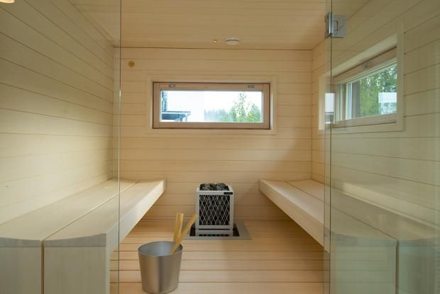 Sauna interior horizontal windows