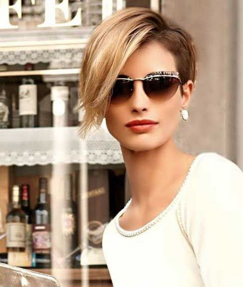 Chopped Short Pixie Crop Haircuts 2017 and Long Side Parted Bangs