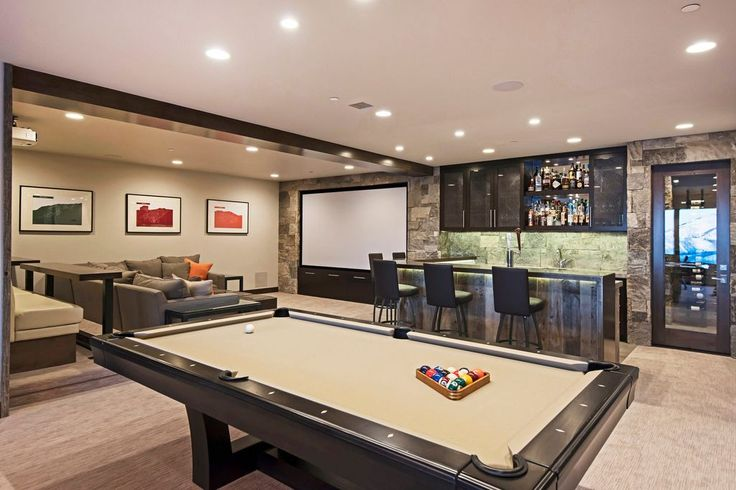 Transitional Game Room with High ceiling, Carpet