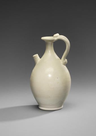 A very rare Xingyao white-glazed ewer Tang Dynasty