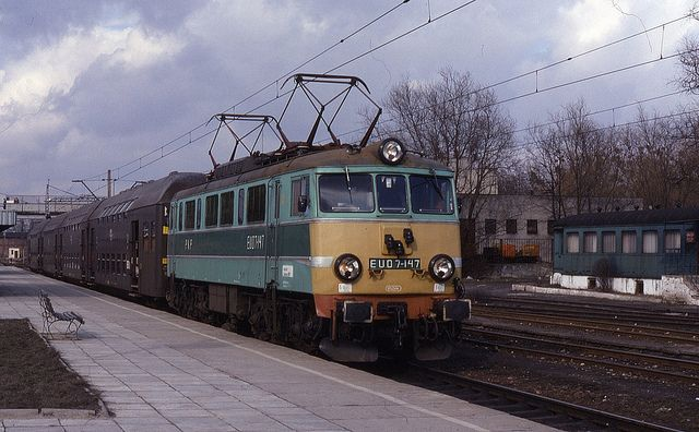 21.03.94 Koluszki EU07-147