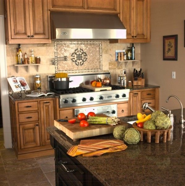 Kitchen Tile Backsplash Ideas With Maple Cabinets: 13 Outstanding Kitchen Tile Designs Behind Stove Foto Idea