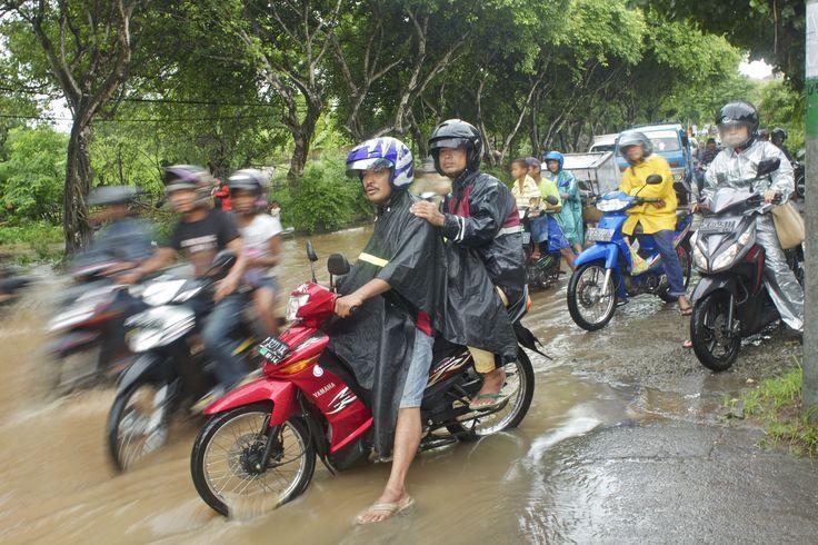 Aber wie funktioniert das eigentlich mit dem Roller mieten in Indonesien? Brauche ich einen internationalen Führerschein? Darum geht es in diesem Artikel.
