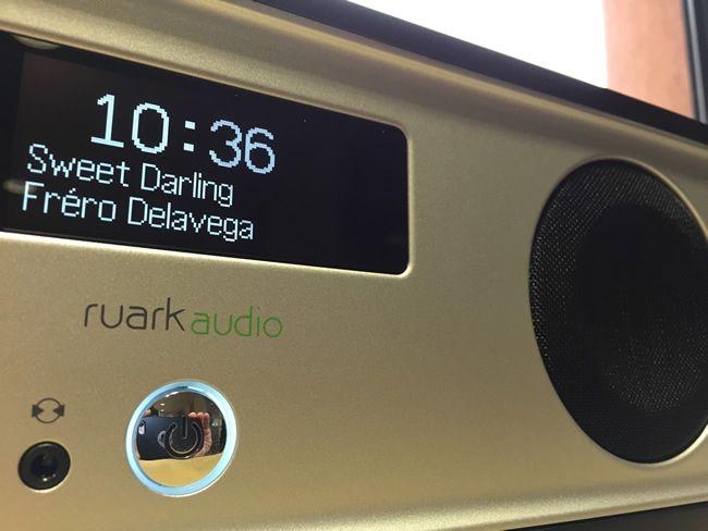 Premier test français de la radio R2 de Ruark Audio, cette fois-ci du modèle R2. Système intégré avec WiFi, Blutooth et Spotify Connect ! Comme d'habitude, le test complet est disponible sur le site français de Ruark Audio !