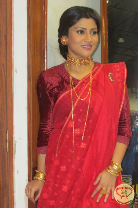 Kadambari Jewelry Collection Launched by actress Konkona Sen Sharma; Rush to A. Sirkar Jewellers to get your Vintage Piece now  http://fashion.sholoanabangaliana.in/kadambari-jewelry-collection-launched-by-actress-konkona-sen-sharma-rush-to-a-sirkar-jewellers-to-get-your-vintage-piece-now/