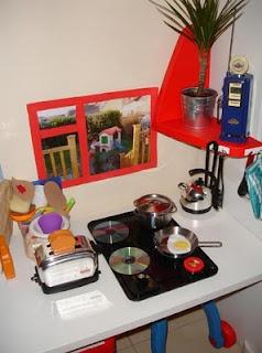 So creative - DIY Pretend Play Kitchen: Diy Kitchens, Kitchens Diy, Diy Plays, Baby Kitchens, Pretend Plays, Plays Kitchens, Kitchens Plays, Kids Kitchens, Play Kitchens