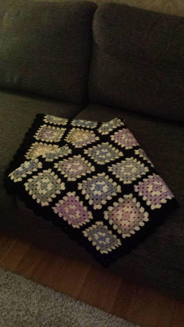 Hekle Babyteppe pledd Oldemorsruter Hekling Crochet