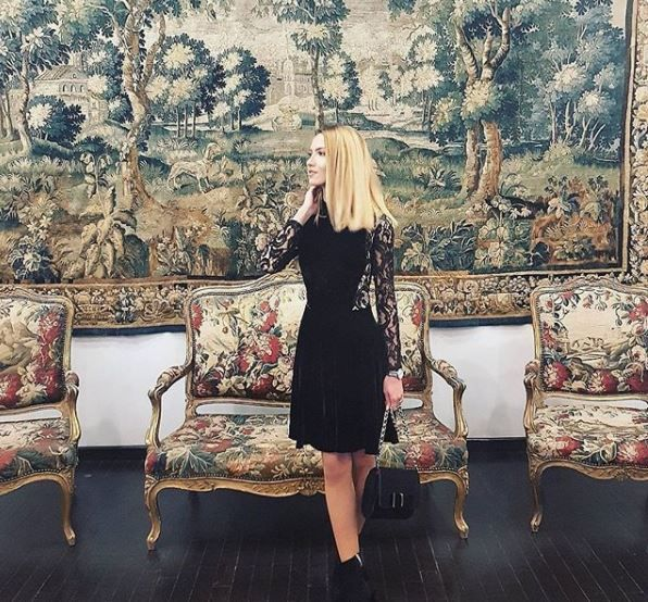 Be seductive and feminine wearing an elegant black dress, perfect for all important moments of your life. Discover the discounted price for the Natalia black dress in our online shop