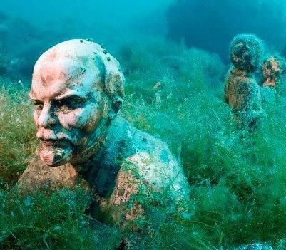 Underwater Museum at Cape Tarkhankut (Ukraine) - This underground museum has a collection of statues of communist leaders throughout the history of the USSR.The sea is really clean here and underwater visibility can often be up to 10 metres. - Want to discover more hidden gems in Europe? All of them can be found on www.broscene.com
