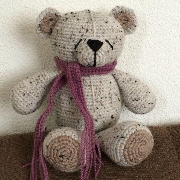 Krissiebeer gehaakt met tweed van Zeeman