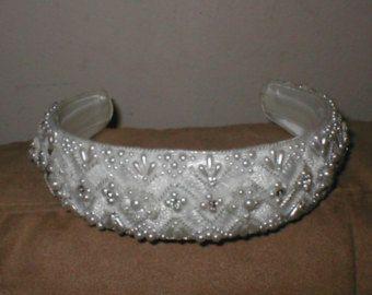 Oro seda flor pelo peine cristales perlas flores por adriajewelry