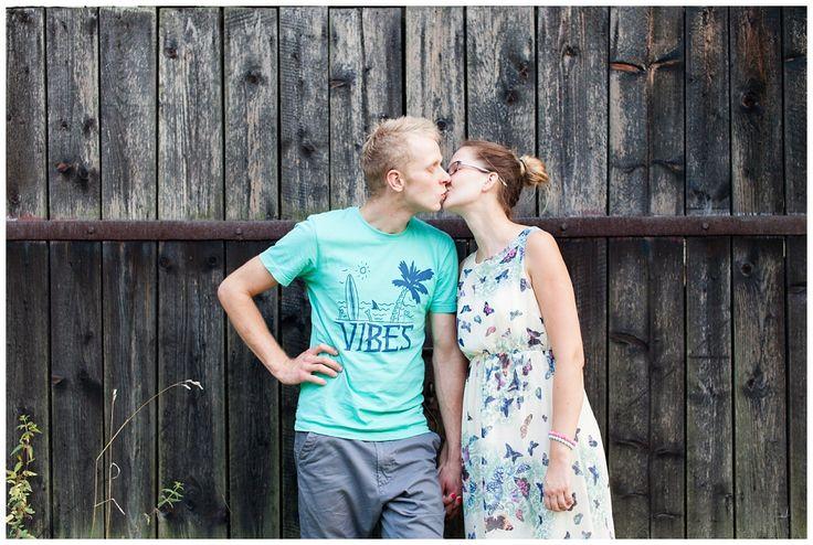 Judyta Marcol FOTOGRAFIA ARTYSTYCZNA | FOTOGRAFIA | SESJA NARZECZEŃSKA | AGNIESZKA + DAMIAN - Judyta Marcol FOTOGRAFIA ARTYSTYCZNA engagement session, engagement photography, engagement in wood, engagement colour, fun engagement session, photo shoot, engagement story